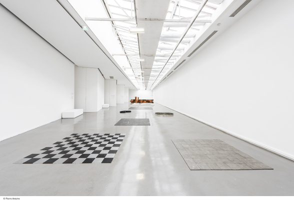 Carl Andre, 64 Tin Square©Pierre Antoine