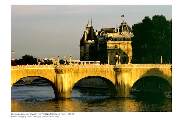 The Pont Neuf Wrapped, Paris 1975-1985, Photo Wolfgang Voltz, © Christ 1985-2005